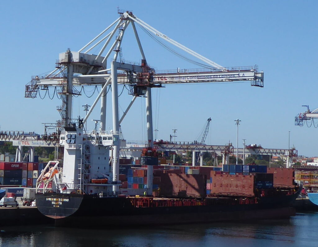 A ship to shore container gantry crane in the port of Leixoes - used in our logistics training courses